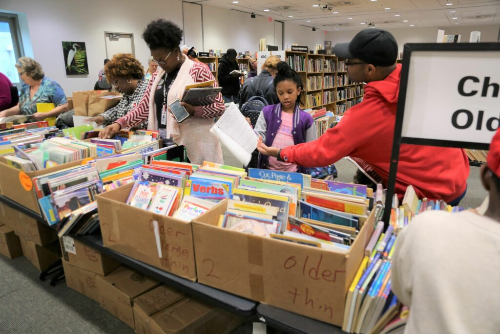 Book Sale Shoppers Family - Fall 2019, MWright